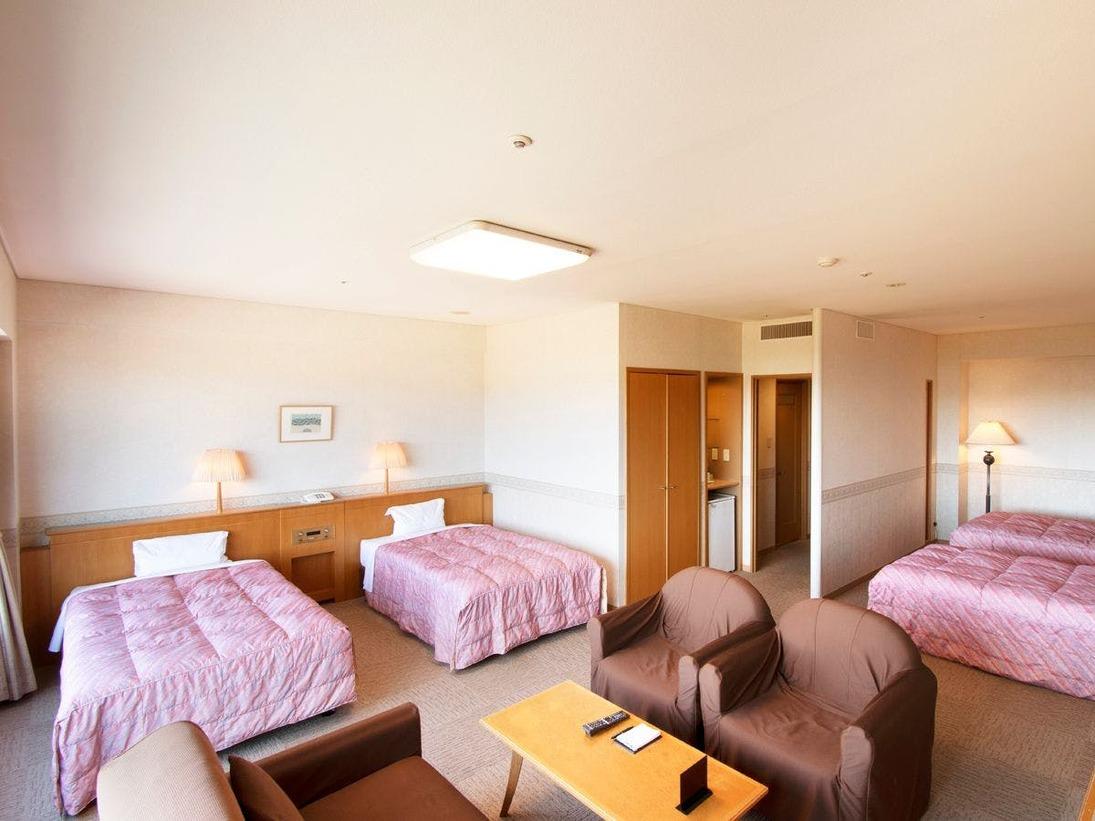 デラックスルーム<ノースウイング>は広さ52.3平米のゆったりとしたお部屋です。