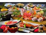 舟盛りをメインに常陸牛や地元の魚介をふんだんに使用した会席料理です。