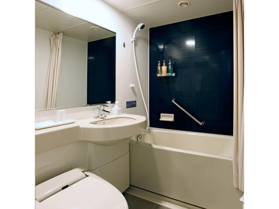 シングル・セミダブル・ダブルルームのバスルーム。
