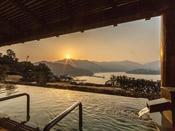 露天風呂◇汐音の湯朝日がのぼる風景は最高!ちょっと早起きして贅沢な時間を
