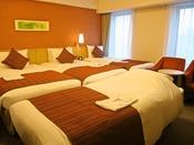フォースルーム一例◆30.6平米【ツインルームに4台のベッドをご用意】