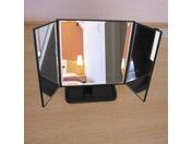 【客室】三面鏡