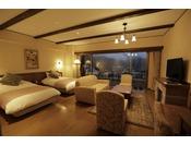 広いリビングは女子会にぴったり!別室にもベッドをご用意しています。