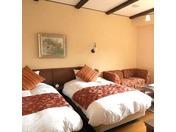 ローズタイプで1室しかない4ベッド客室です。お部屋のお風呂は露天風呂タイプとなっております。