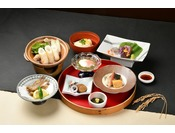 ホテル1階レストラン「和食神楽」にて郷土料理をお楽しみいただけます。
