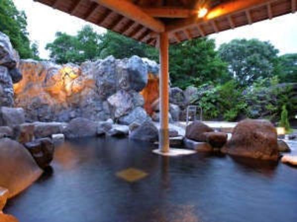 【自家源泉】奥軽井沢温泉の露天風呂