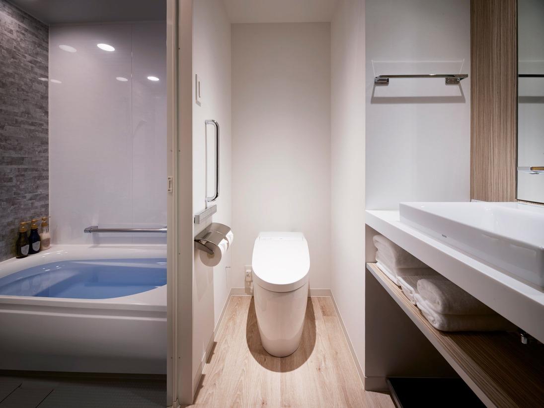 【浴室】スーペリア・全室バスルーム・トイレがセパレートとなっております。