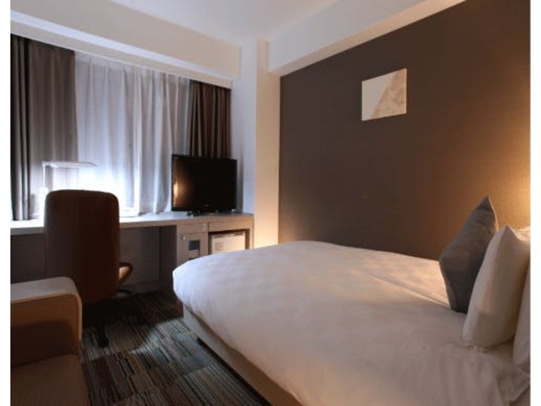 【スタンダードシングルルーム】客室面積:18.2平米ベッド幅:140センチ