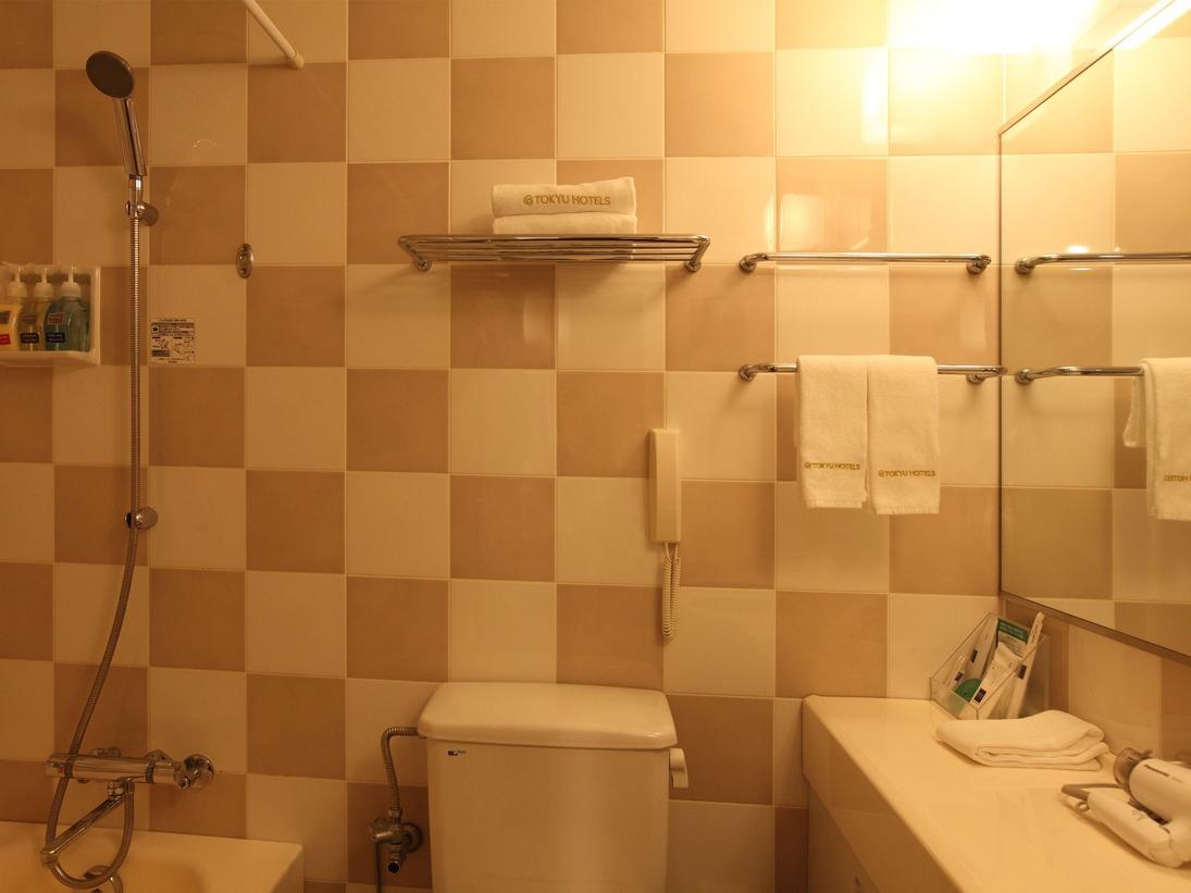洗面台が広く、使いやすいユニットバスタイプ。
