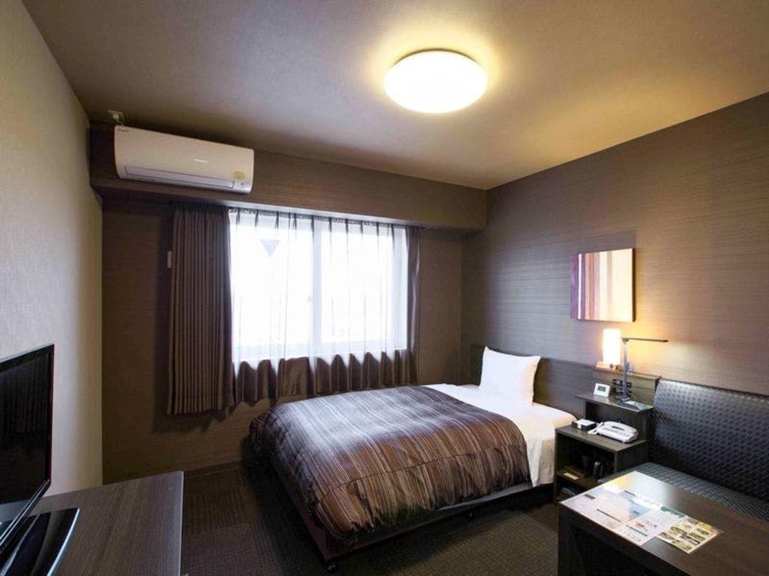 【シングルルーム】ベッドサイズ130×195cm