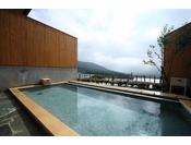 ★大浴場から絶景の由布岳を望む♪PH9.2のアルカリ度の高いしっとり美人湯に浸かってしっとりお肌をGET!