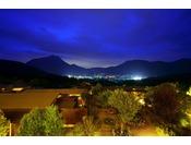 夜のフロントデッキからの眺望
