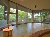 *大浴場『銀殿』/泉質はナトリウム・塩化物・硫酸塩温泉でpH8.4の美肌の湯。