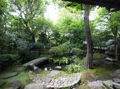 *庭園/須雲川の清流を取入れた、美しく閑静な日本庭園です。