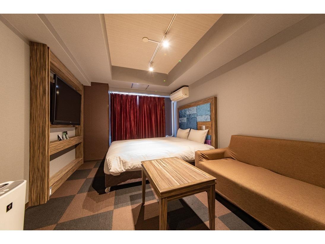 デラックスダブルルーム(ベッド幅160cm)バス・トイレ付(セパレート)インターネット接続無料(有線・無線両方可)