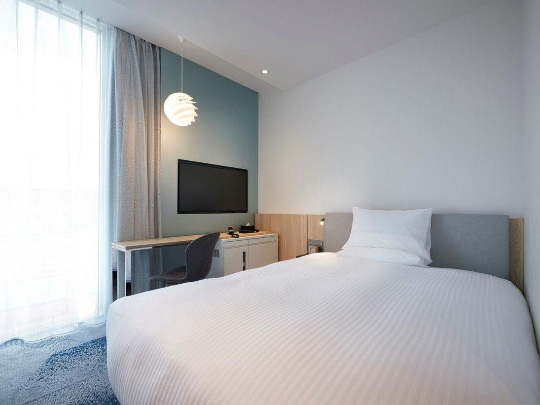 【客室】スーペリア・部屋広さ…17m2・宿泊人数…1~2名・ベッド幅…140cm