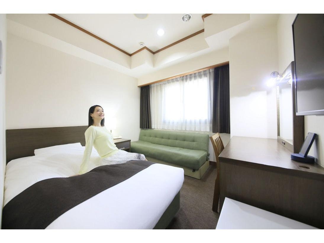 シングル(16平米)|天井が高いため、コンパクトでありながら広さ以上にゆとりを感じるお部屋です。