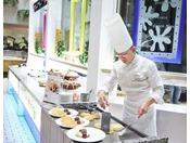 カフェ&レストラン「グリーンハウス」シェフが目の前で焼き上げる人気のパンケーキ