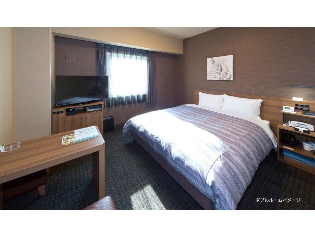 【スタンダードダブルルーム】・ベッドサイズ160×200(cm)・40型液晶TV・WOWOW視聴無料・全室無料インターネット回線完備