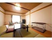 由布岳側10畳和室