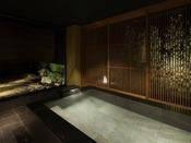 石庭と夕日を眺める水ノ綾 客室用露天風呂