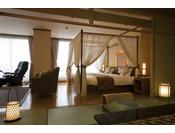 天蓋をほどこしたツインベッドルームと和室の広々とした部屋。優雅な気分でお過ごしください。
