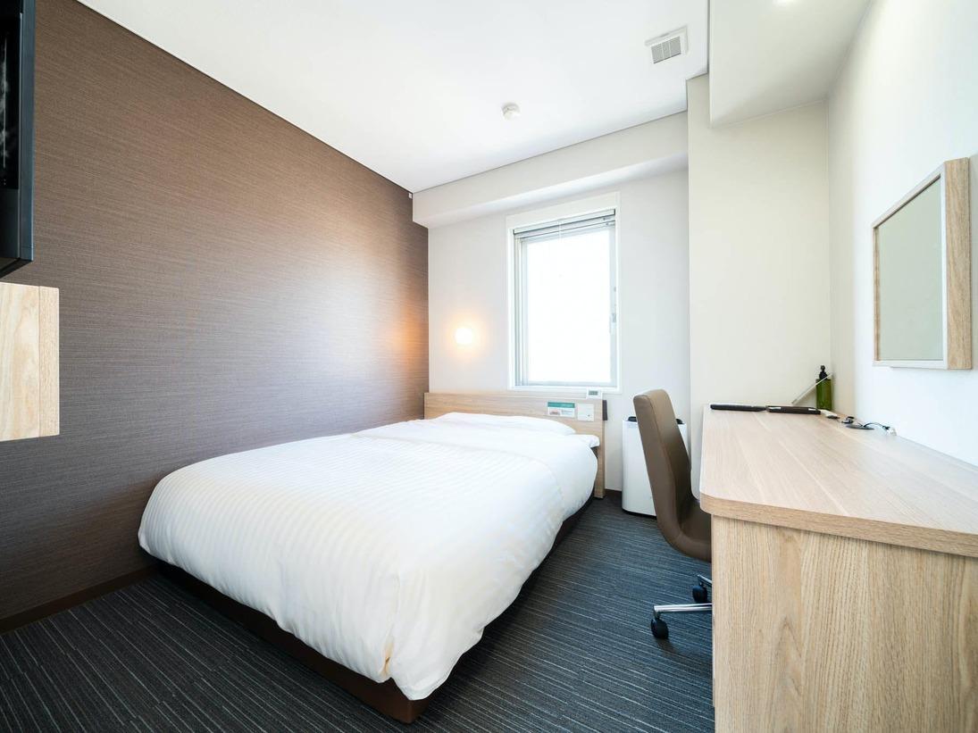 ベッド幅150センチ×200センチの広々ベッドです。