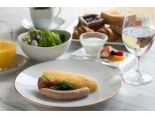 メインダイニングルーム ザ・フジヤ 洋朝食イメージ