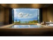 【貸切温泉 桜-sakura-】6つの貸切温泉で最も大きな湯舟、目前には雄大な海と空が広がる