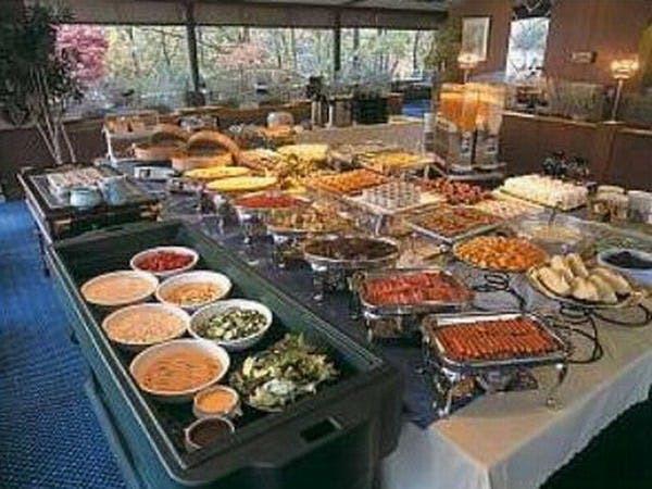 ご朝食は約35種の和洋バイキング