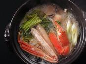 上質な地蟹と京野菜、そして黄金色の出汁が絡み合う絶妙の鍋