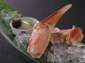 ピンと張った絹のような繊維に隠された旨みを味わって頂く鮮度の良い地蟹だから楽しめる風味があります