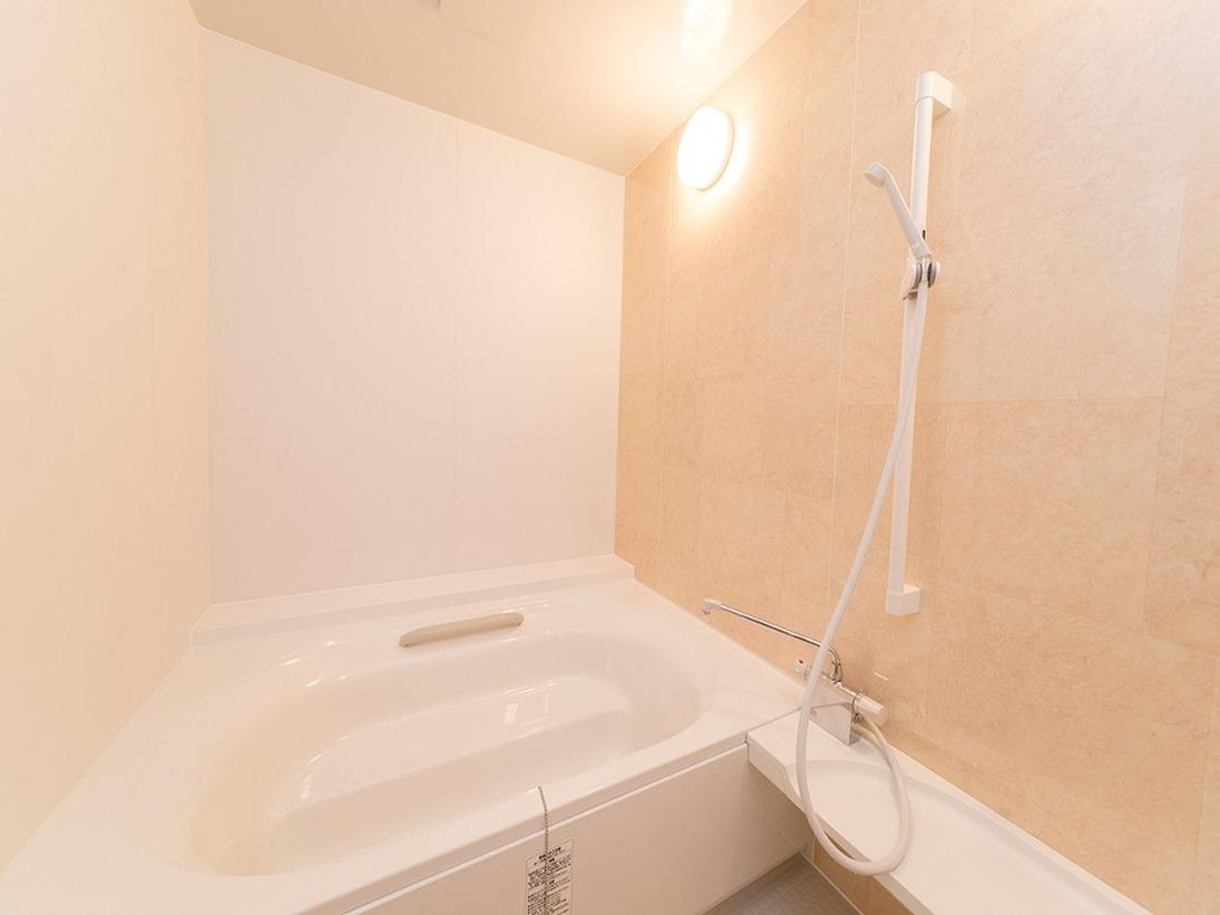 全室の浴室とトイレは分かれているつくりですので、入浴の際もゆったりご利用いただけます。