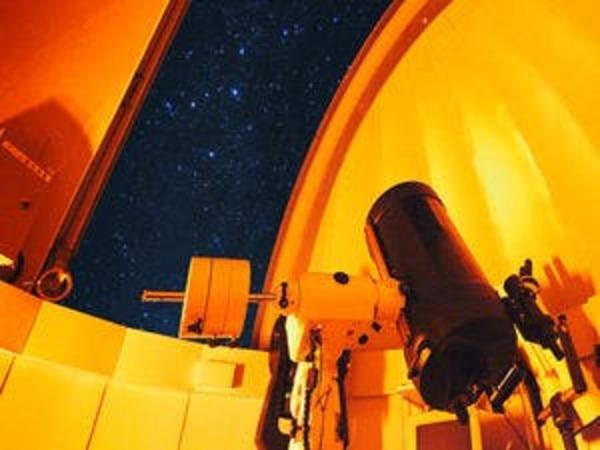 屋上天体ドームで星空観測♪