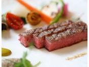 鎌倉フレンチディナー 肉料理一例。A-5ランク国産牛肉(ご追加料金でメイン肉料理としてお選び頂けます。)※【品数より質重視の方へ】選べるメインディッシュ 葉山牛又はオマール海老 贅沢大人の休日プランでご宿泊の場合にはご追加料金はかかりません。