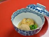 *お夕食一例/煮物。玉庭の伝統の味に料理長の心意気が光る出来たてのお料理の数々。