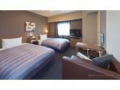【スタンダードツインルーム】・ベッドサイズ110×200(cm)・40型液晶TV・WOWOW視聴無料・全室無料インターネット回線完備