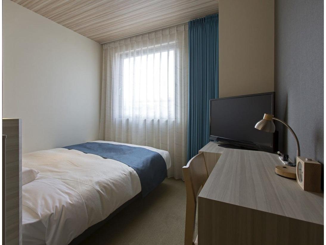 日本ベッド製造社製ベッド(195×140センチ)/加湿機能付空気清浄機/Wi-Fi利用可能/32インチ液晶TV