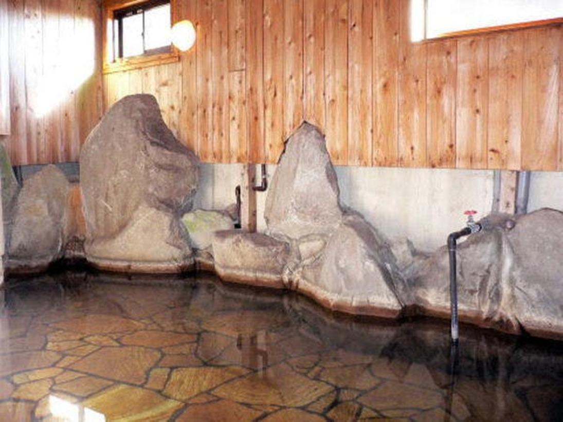 24時間いつでも入れるかけ流しの温泉です