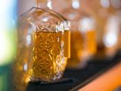 エントランスの自家製果実酒セルフサービスで気ままにお楽しみいただけます