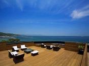 屋上ステラテラスからは大阪湾と紀淡海峡を望む絶景が広がる