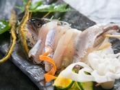 オリーブ鮎の活き造り