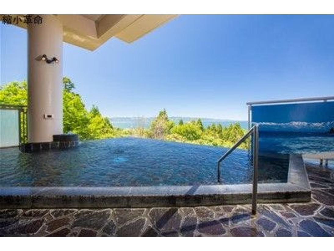 富山湾一望 露天風呂「ゆらく」