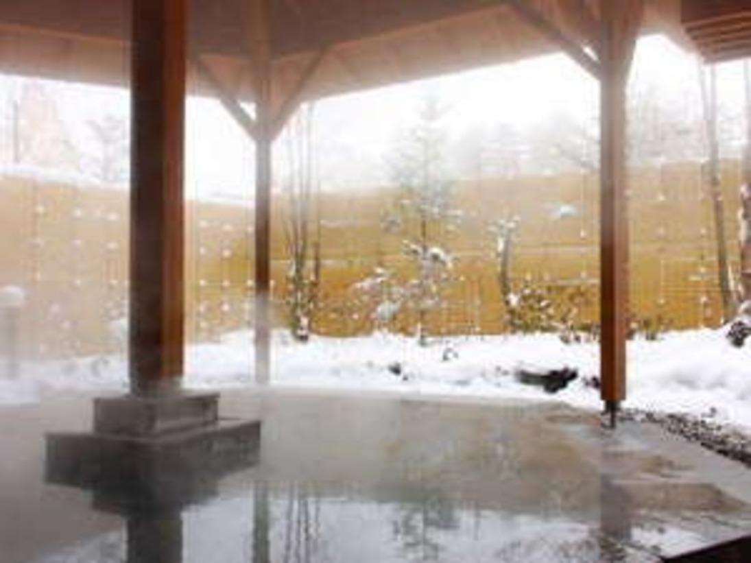 冬と言えば雪見露天!!白旗源泉の内湯で温まったら、露天風呂(万代鉱源泉)へ!!