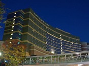 夜のキャナルシティ・福岡ワシントンホテル