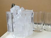 氷はホテル一階にマシーンがあります(無料)