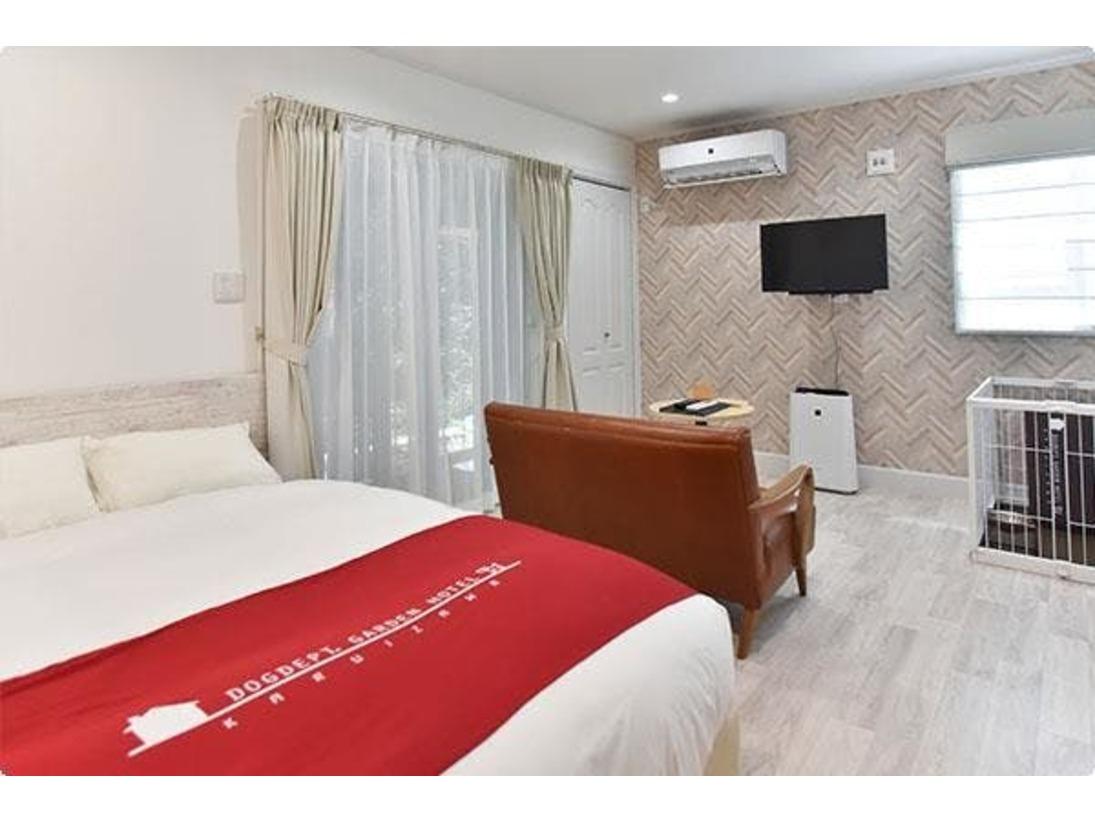 ブルー102はダブルベッドです。 カップルやお1人様にお勧めのお部屋です。
