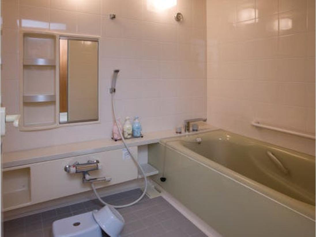 レギュラーツインや和室のお風呂は洗い場とバスタブがセパレートになっておりファミリーにはもってこいです