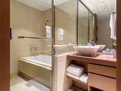 【スタンダード浴室】セパレートタイプの快適なバスルームです
