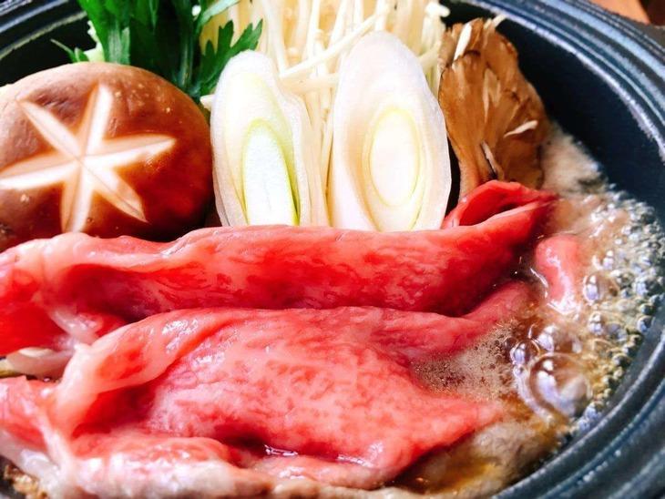 【Tポイント1%】【グレードアップ!山形牛すき焼き】特別な日にみんなでわいわい食べたい方へ